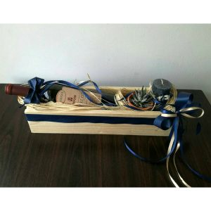 Дрвена кутија со вино 2