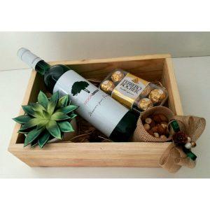 Дрвена кутија со вино 3