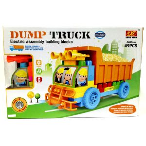 Камион со коцки